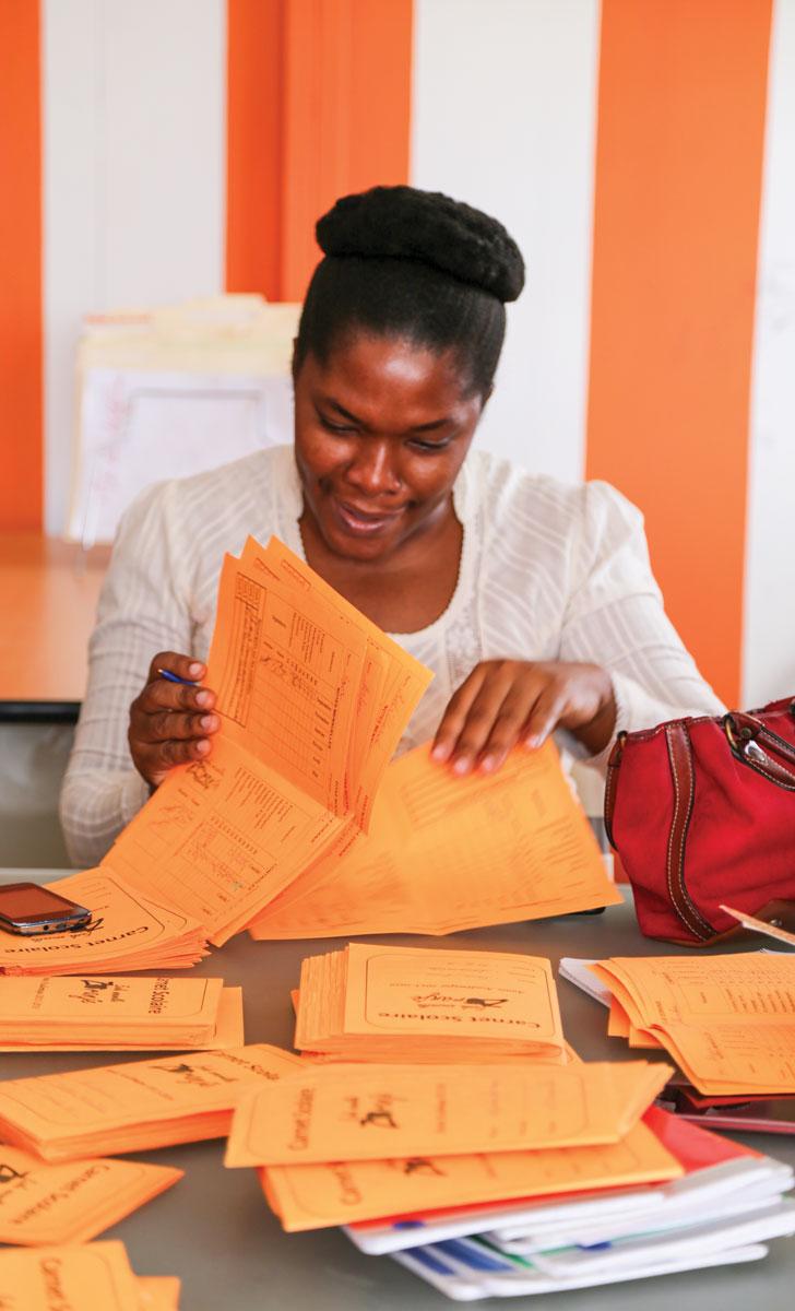 LA POLITIQUE NATIONALE DE FORMATION s'adresse aux 140000 enseignants haïtiens.