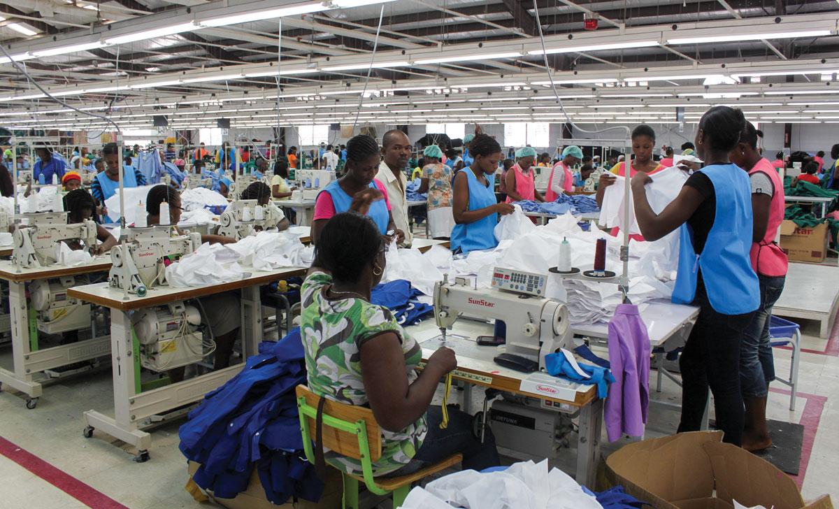 GRÂCE à un coût de main-d'œuvre moindre, Haïti est bien placé pour attirer les plus grands fabricants mondiaux. Photographie par CFI.