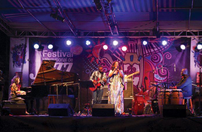 MALOU BEAUVOIR, chanteuse haïtia- no-américaine