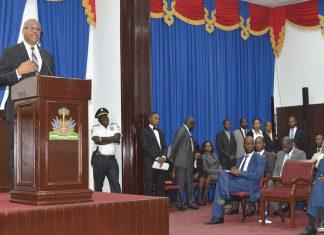 LE PREMIER MINISTRE Jack Guy Lafontant intervient à l'ouverture de la seconde session législature