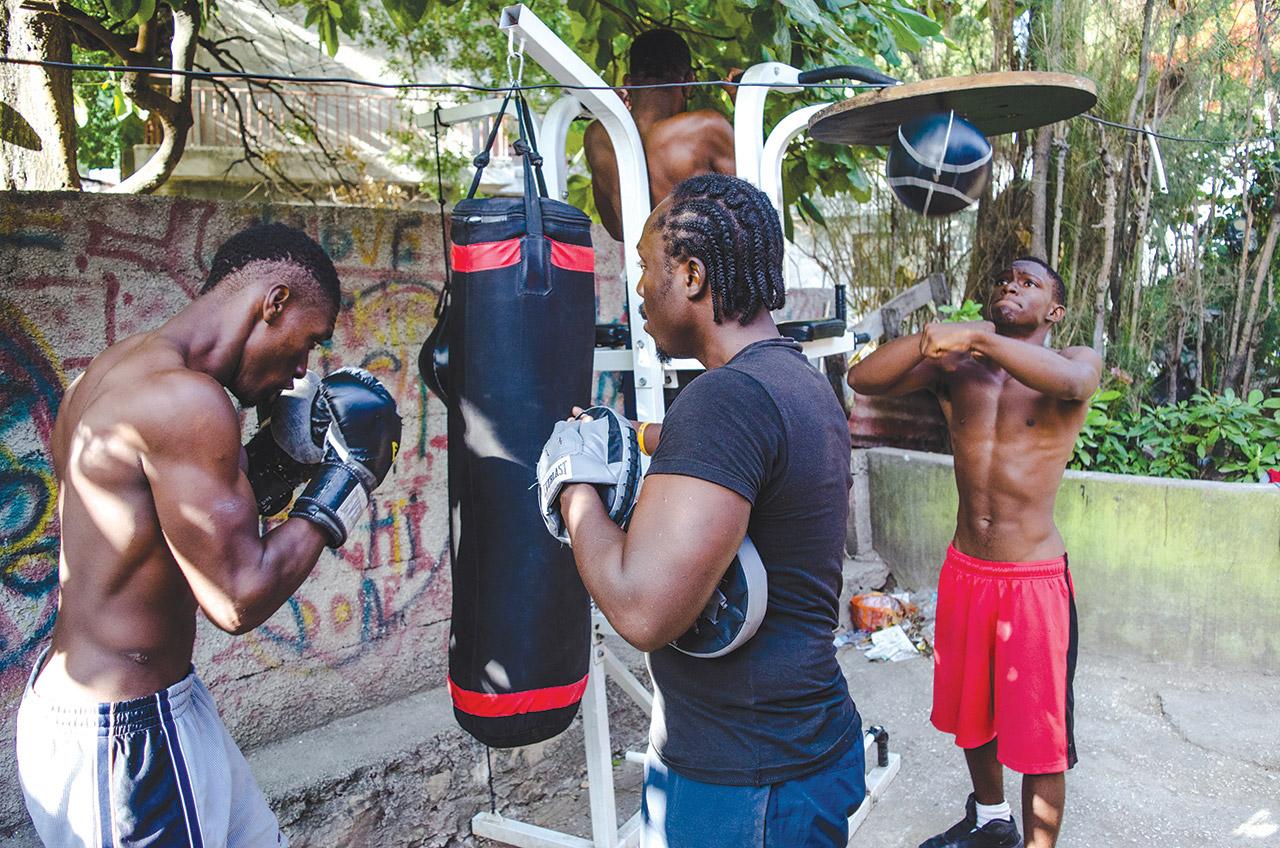 SÉANCE d'entraînement du Don club Boxing à Berter