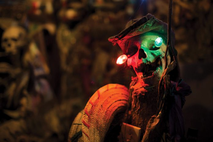 Une représentation de la mort dans sa splendeur. PHOTOGRAPHIES PAR STENCER SAINTELANGE/ CHALLENGES
