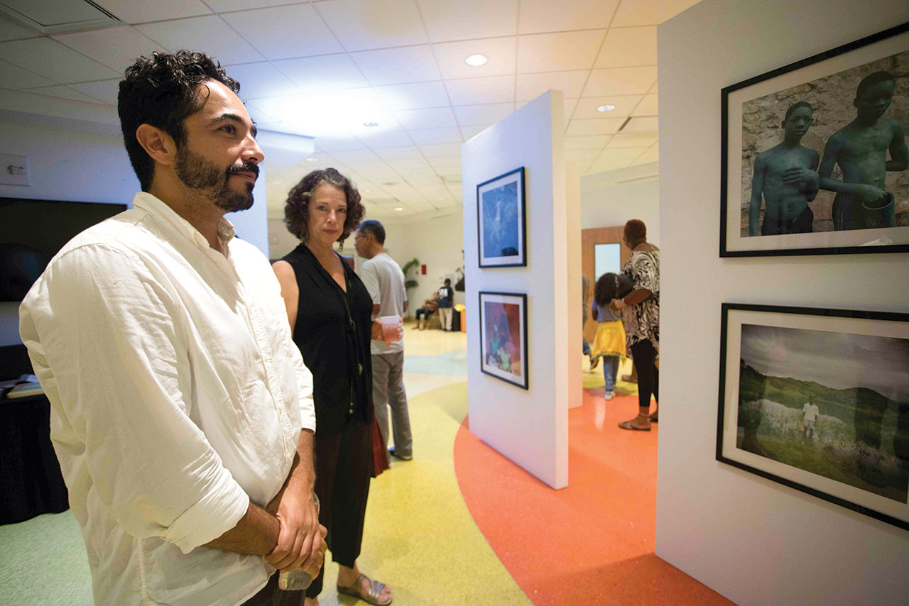 LES PHOTOGRAPHES DE FOTOKONBIT ÉTAIENT REPRÉSENTÉS À L'EXPOSITION.