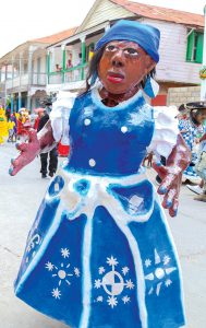 Le carnaval de Jacmel est réputé pour ses masques en papier mâché.