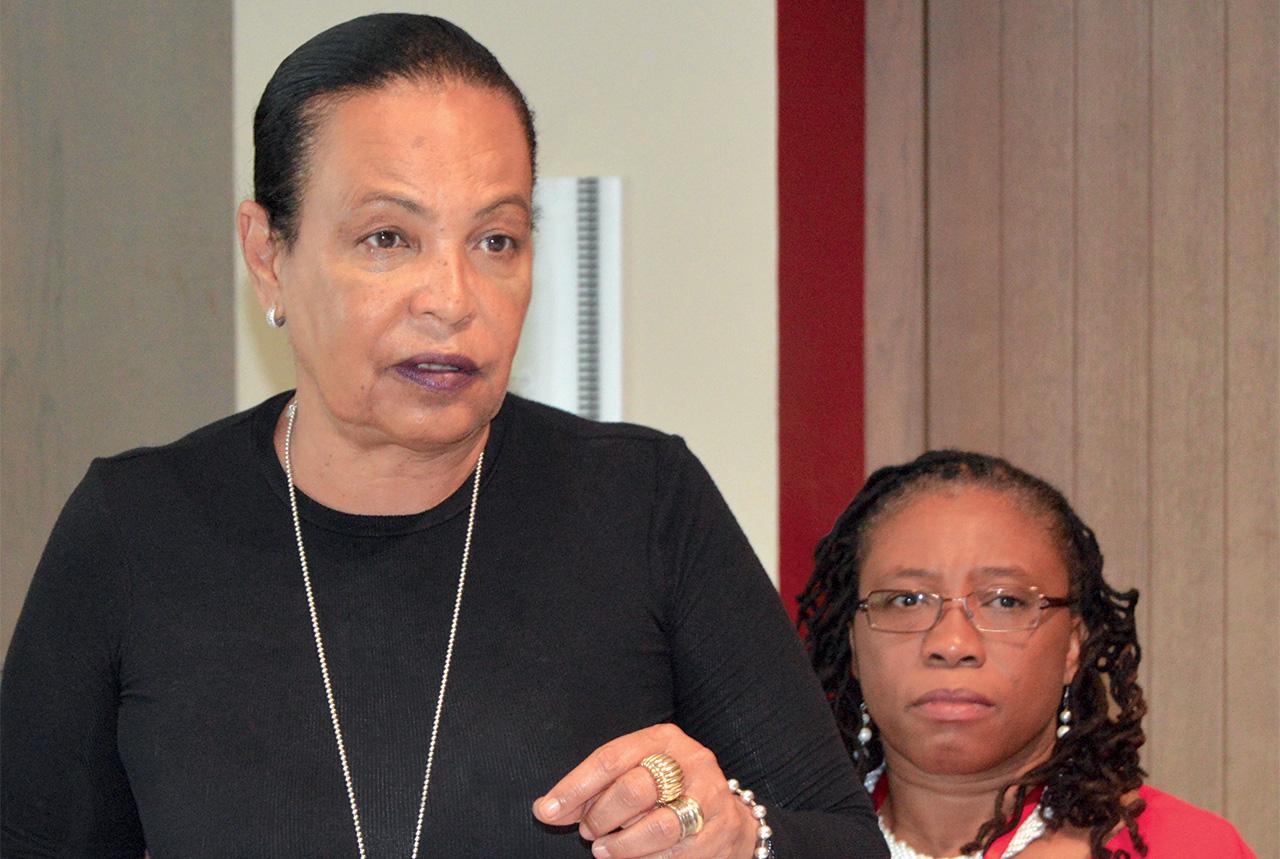 Maryse Pénette-Kedar (membre de la commission) et Dr. Guerda Nicolas (Secrétaire du comité exécutif ACT).