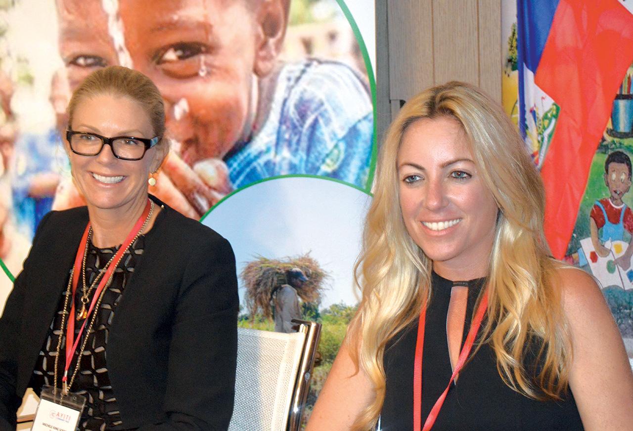 Michele King Soffer (vice-président ACT) et Jeanne Maislin (membre de la commission).