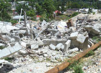 Des maisons détruites par les autorités à pèlerin 5 (commune de Pétion-Ville). Stephen Eddyson Joseph/ Challenges