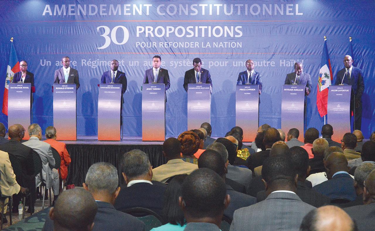Présentation des membres de la Commission spéciale sur les amendements. Photographies par Timothe Jackson / Challenges