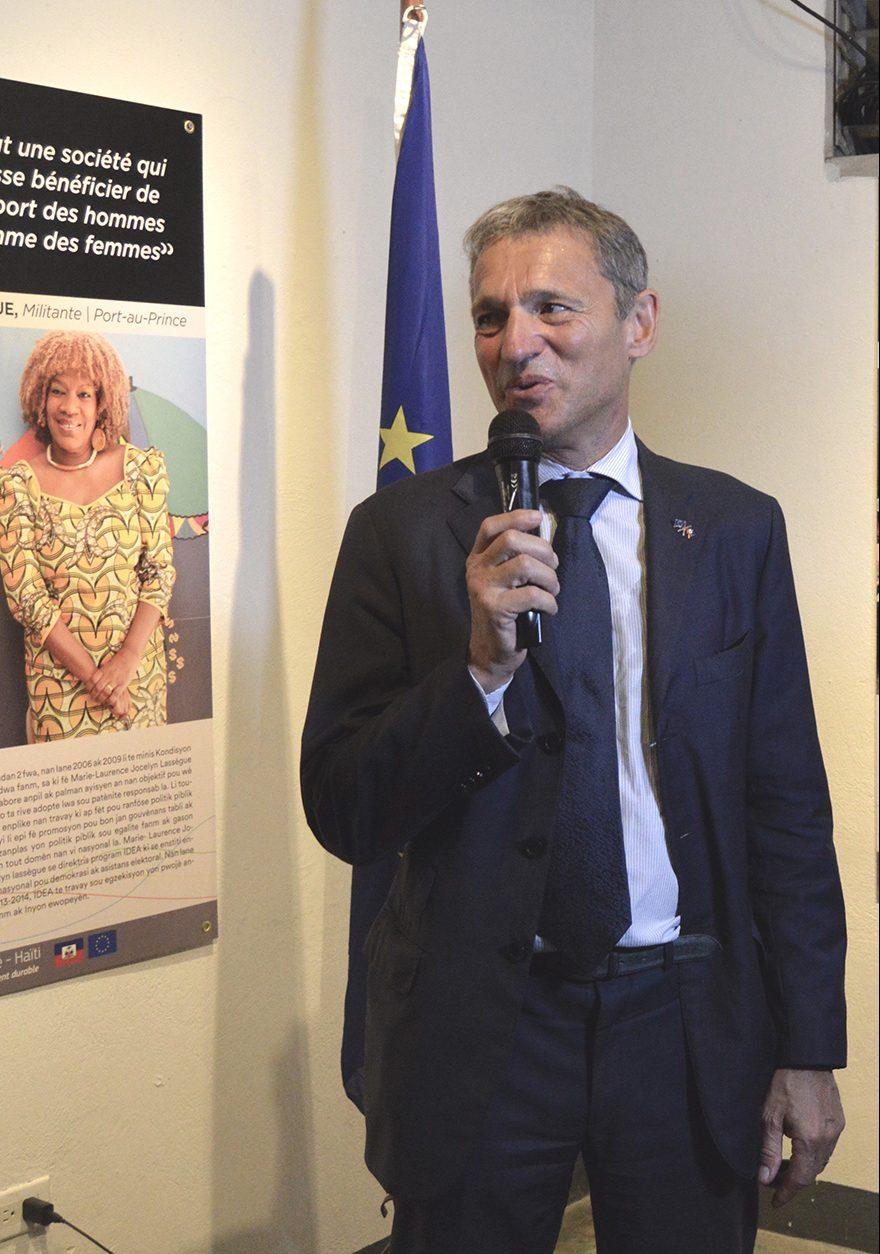 L'ambassadeur de L'union Européenne, M. Vincent Degert.