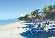 Une vue des plages magnifiques de Decameron. Cossy Roosevelt / Challenges