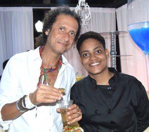 Le musicien Joël Widmaier (PAPJAZZ) avec la chef du restaurant Totto's.
