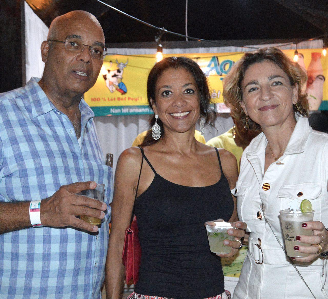 Les associées de l'agence Wellcom, Milena Sandler et Stéphanie Armand avec Georges Barau Sassine, président de l'ADIH.