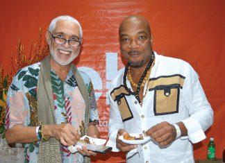 Des artistes gourmands: Philippe Dodard et Miko se régalent.