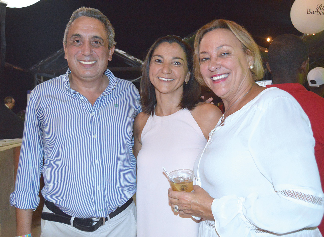 Jean-Marc Gardère, nouveau directeur général de Barbancourt, Béatrice Nadal Mevs, présidente de l'ATH et Michèle Gardère Frisch directrice générale du Mupanah.