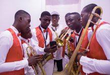 De jeunes musiciens de la fondation Nemours Jean-Baptiste.