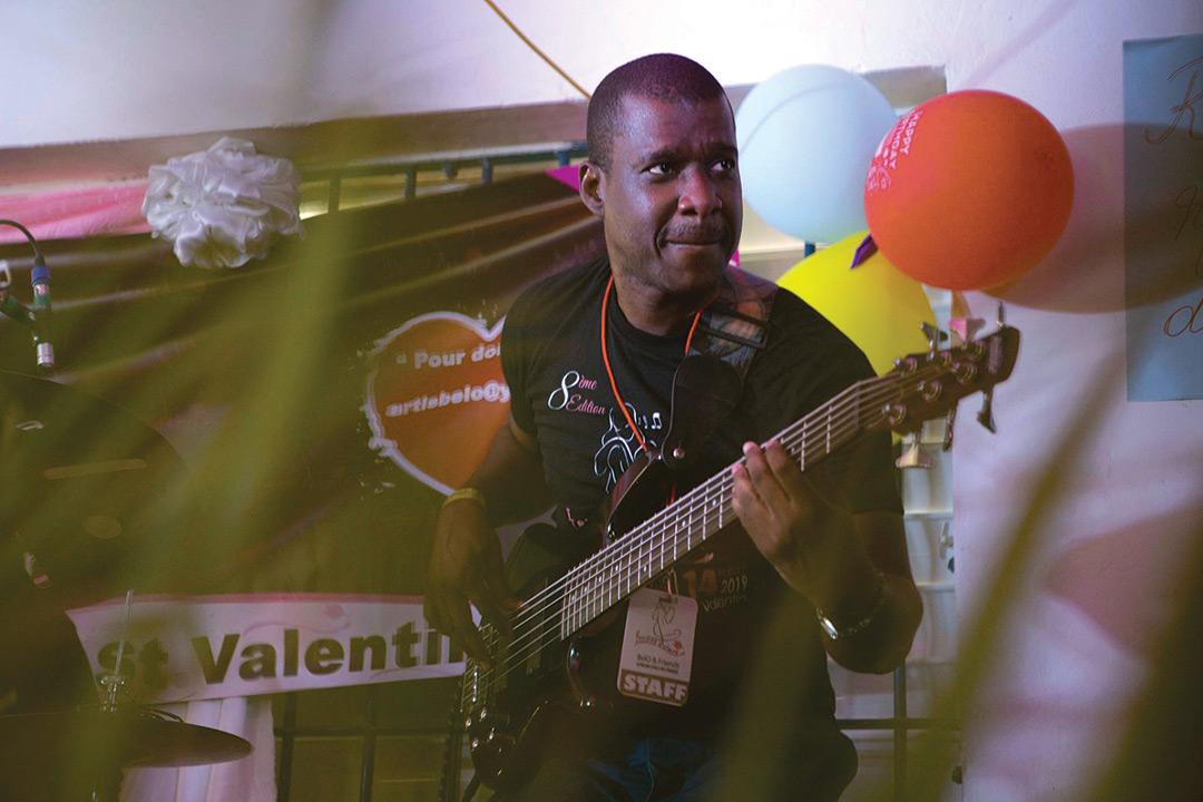 Nazaire Josué Jude, Guitariste de la bande à Belo.