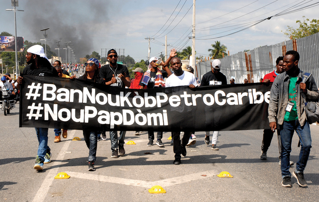 Des manifestants réclament l'argent de Petro caribe.